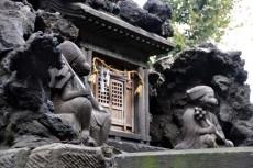 富士塚の本殿