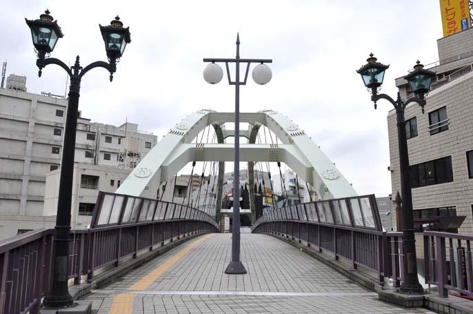 脇田町の歩道橋