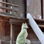 浮島神社 本殿狛きつね
