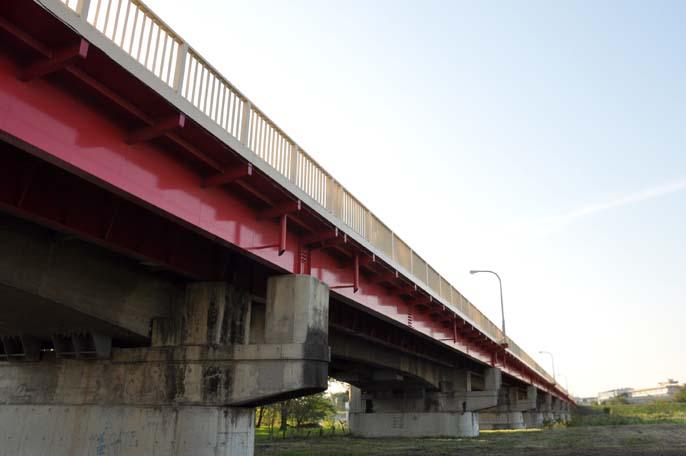 初雁橋と入間川