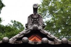 拝殿の鬼瓦