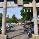 古尾谷八幡神社 鳥居と参道