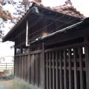 覆屋内の本殿